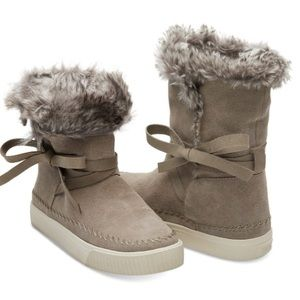 NEW TOMS Size 7 Vista Desert Taupe Suede Boots